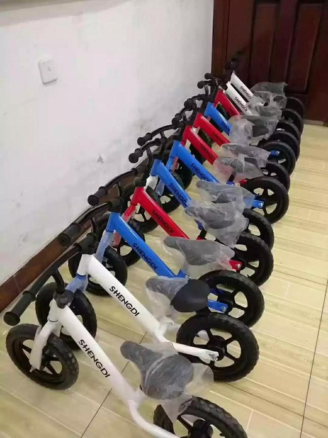 betway必威手机版官网自行车,滑行车二维码
