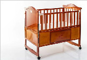 小明星童车厂,主打婴儿木床儿童餐椅
